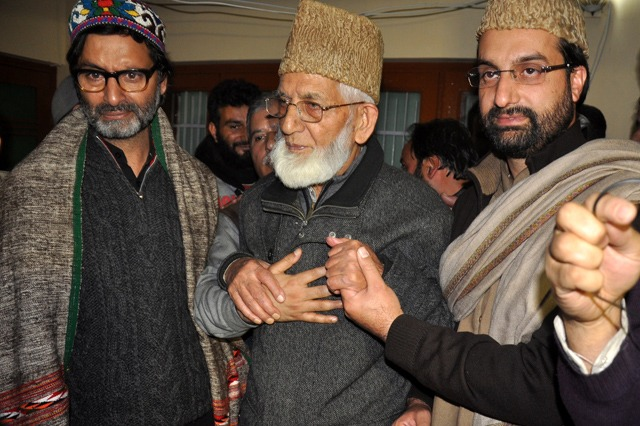 Syed Ali Shah Geelani offers congregational Friday prayers after 8 years