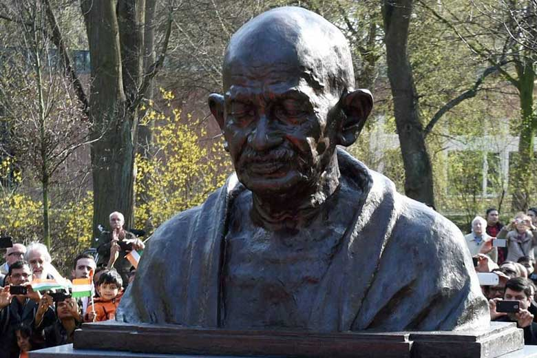 Gandhi's statue damaged, one man arrested